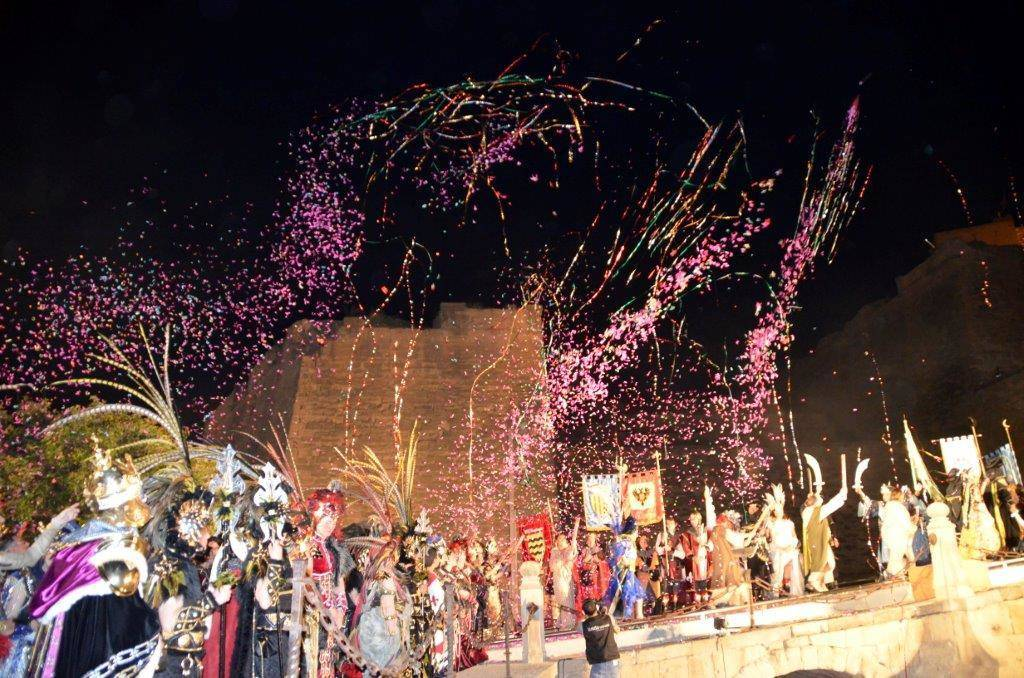 Llega a la ciudad la 'Fiesta de moros y cristianos'